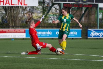 Jong ADO Den Haag Vrouwen nipt onderuit in Zwolle