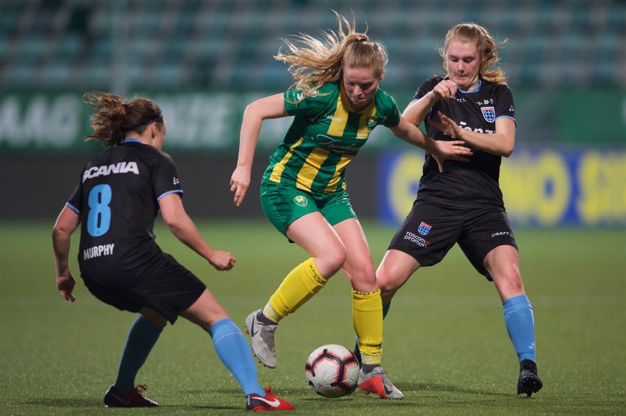 ADO Den Haag Vrouwen viert hat-trick tegen PEC Zwolle