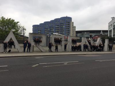 Haagse meiden via Emirates Stadium en het park naar Wembley