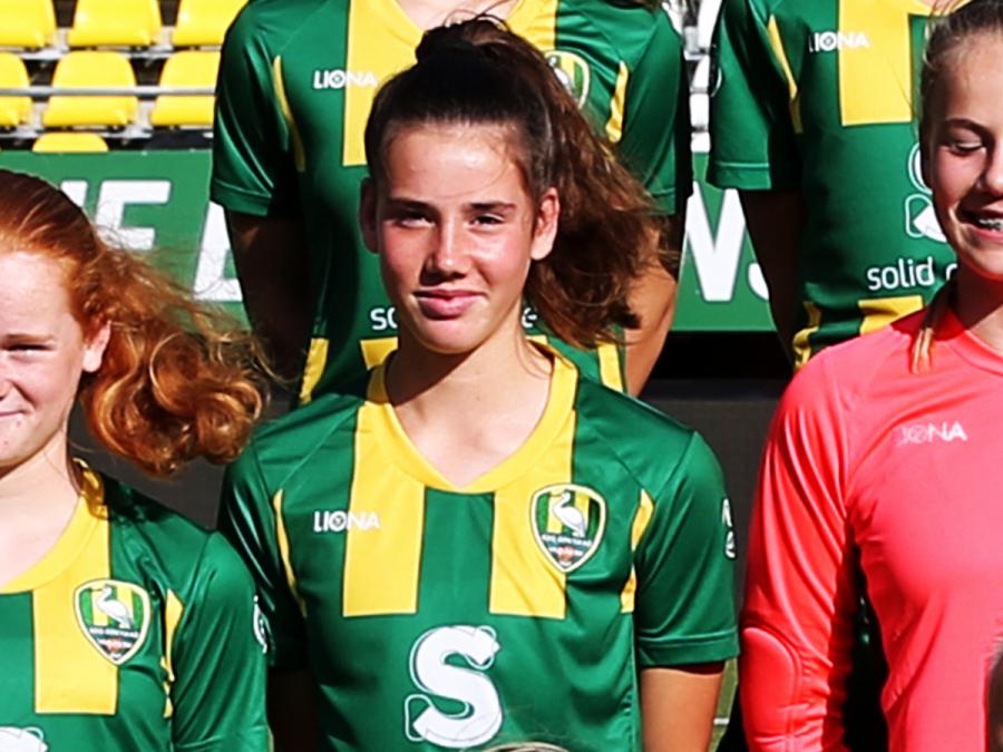 Louise van Oosten in definitieve selectie Oranje O15