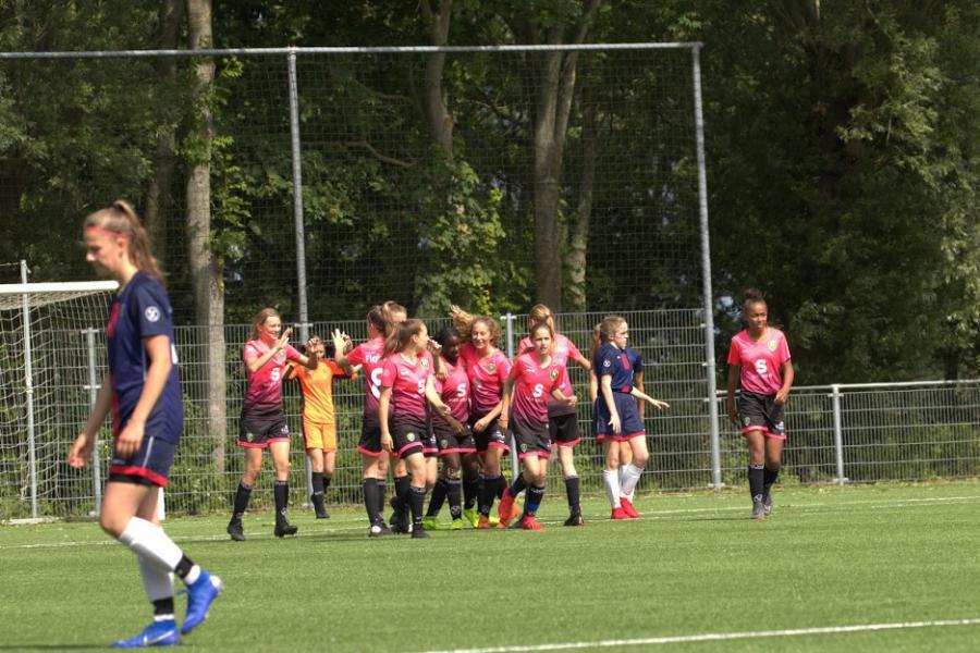 Net geen victorie meiden onder 14 in Alkmaar, O16 richt zich op
