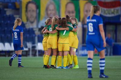 ADO Vrouwen start seizoen met zwaarbevochten winst in Zwolle