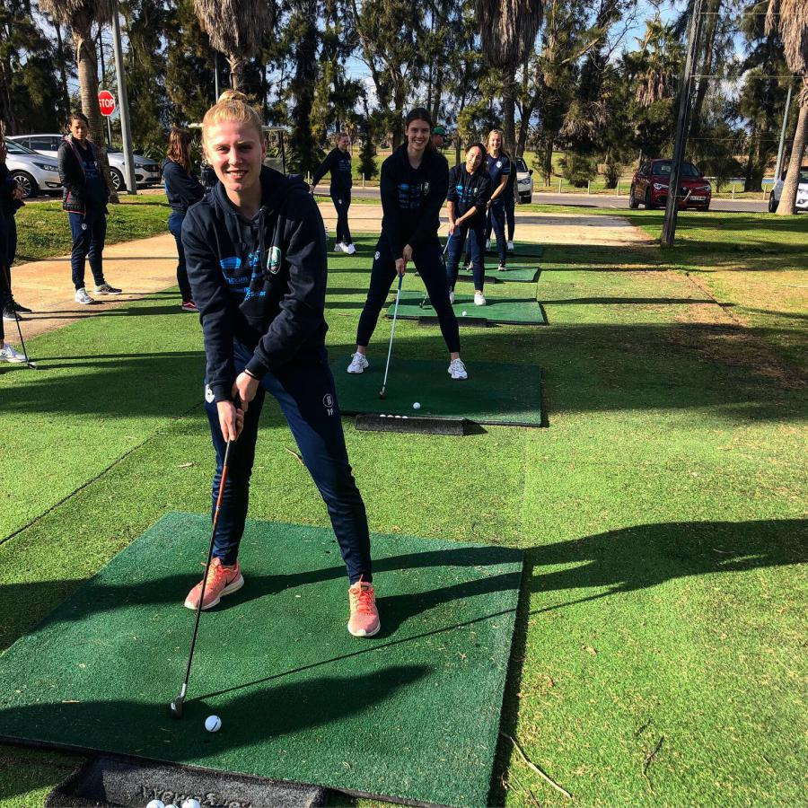 Dag 3: Pittige veldtraining en golfclinic