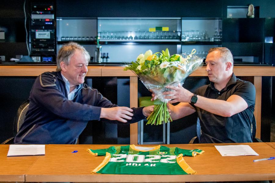 ADO Den Haag Vrouwen en Sjaak Polak langer door
