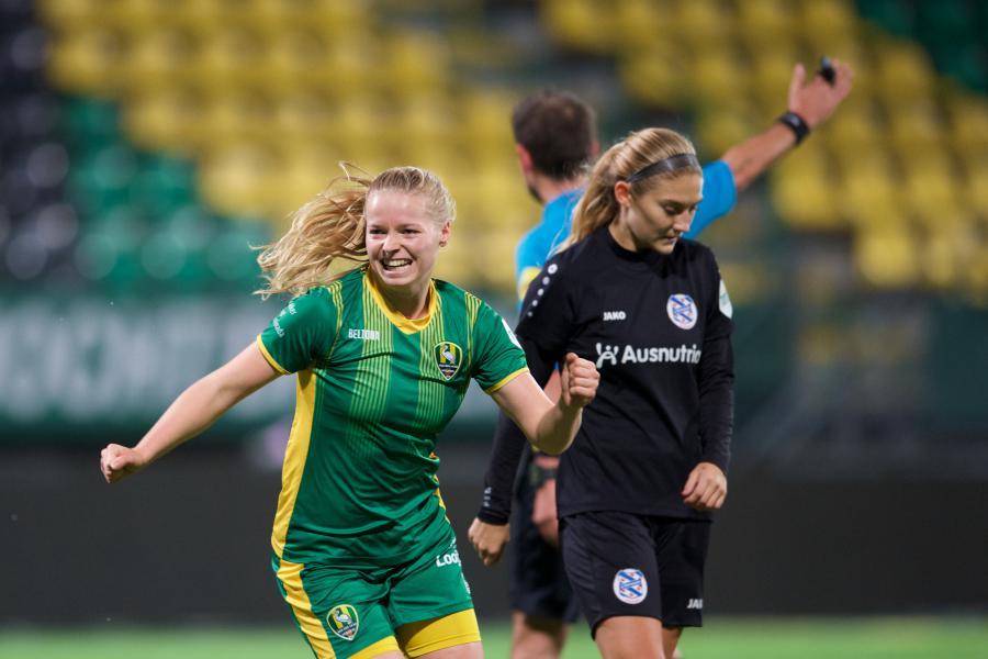 Jeugdinternational Nadine Noordam naar Ajax