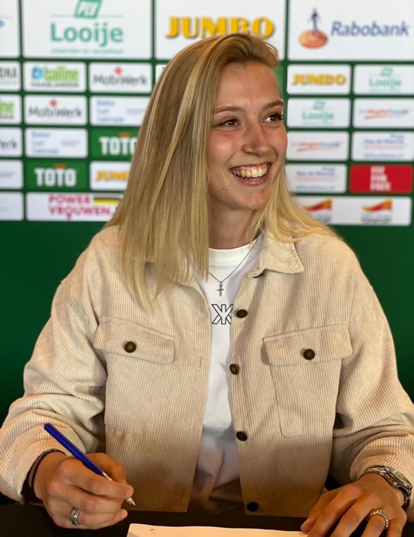 Jannette van Belen tekent nieuw contract bij ADO Vrouwen