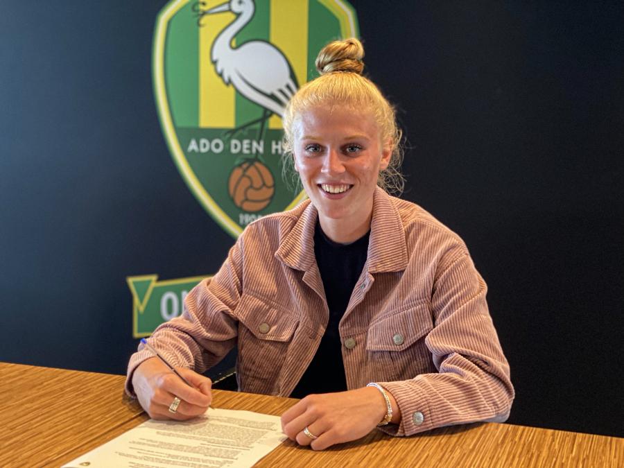 Vonk verlengt, Van den Born tekent eerste contract